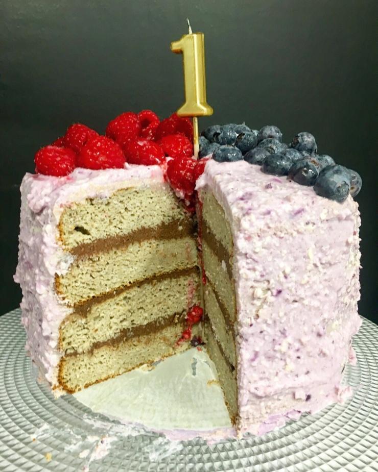 pastel de cumpleaños sin gluten y sin azúcar