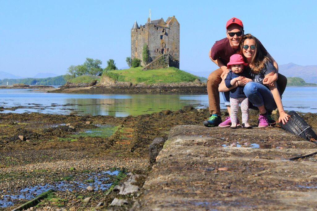 La familia al completo con vistas al Stalker Castle