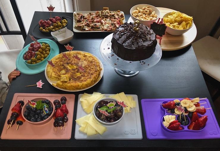 mesa de cumpleaños sin azúcar