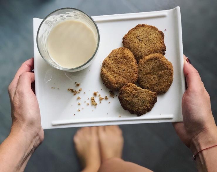 horchata y galletas de chufa